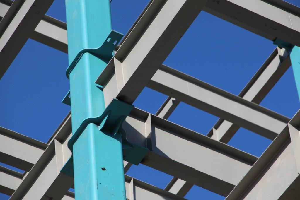 اتصالات فریم دارای بادبند فولادی به ستون های پرشده از بتونCFT