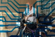 موتورسیکلتی که از آب به عنوان منبع تامین انرژی استفاده می کند