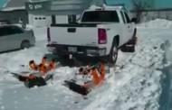 اختراعی جدید برای مشکل گیر کردن در برف + فیلم